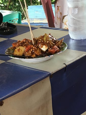 Pintu Kota Beach: Eetgelegenheid