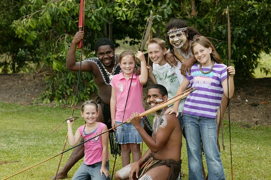 Caravonica, Australia: Throw a traditional spear