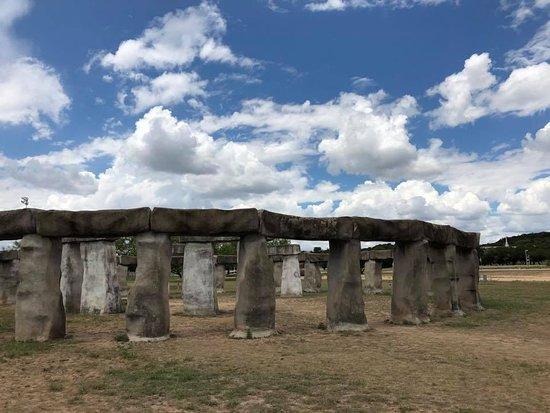 Stonehenge II: impressive setting