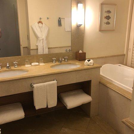 Pullman Reef Hotel Casino: photo1.jpg