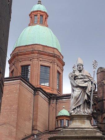 Statua di San Petronio: la statua