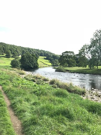 Walk along the River to Barden Tower