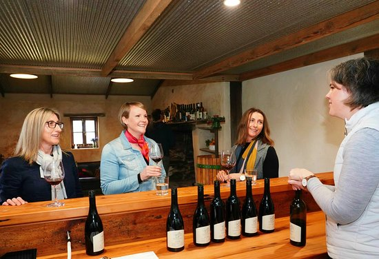 Barossa Valley, Australia: Wine tasting in Cellar Door