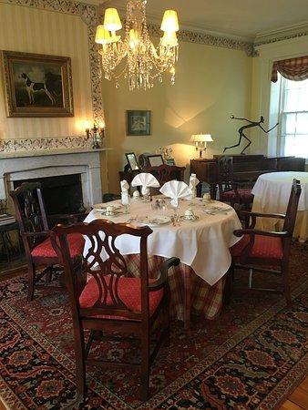 Washington, VA: Dining room
