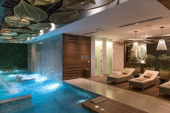 The Reef 28: Spa