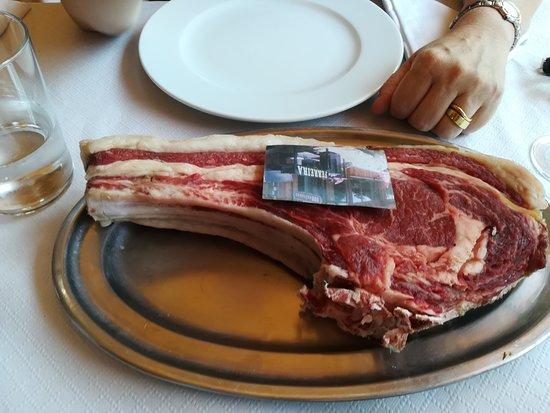 Galende, إسبانيا: Chuleta de 1,1 kg