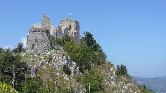 Castello di Roccaguglielma