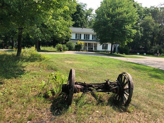 Crystal River Inn B&B: Historic farmstead built in the 1850's.