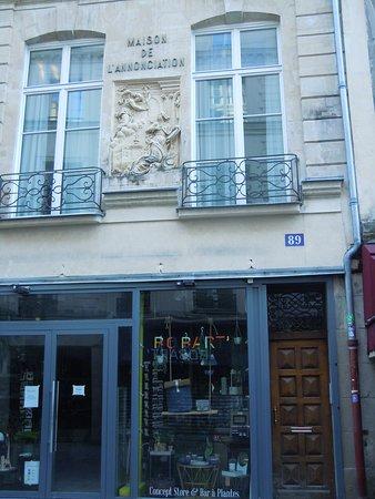 Bas relief de la rue Saint Martin