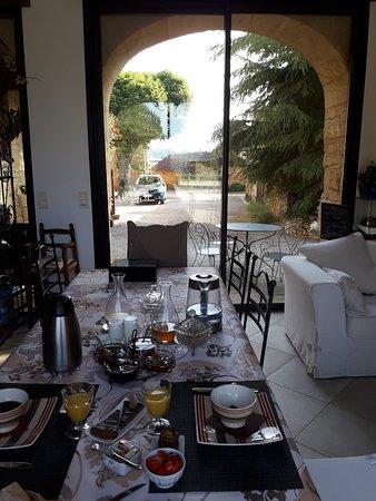 Proissans, França: Breakfast