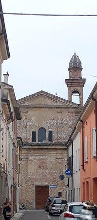 Guastalla, อิตาลี: la chiesa con campanile