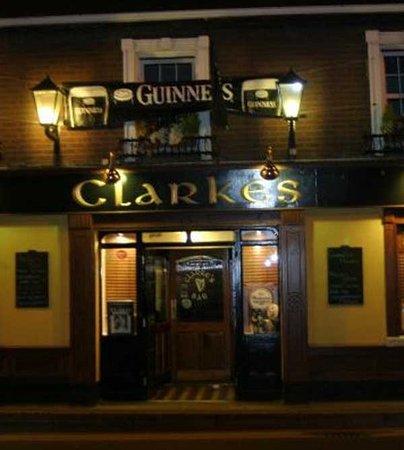 Mullingar, Irland: Clarkes bar
