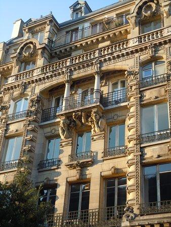 Cariatides du 39 rue Réaumur