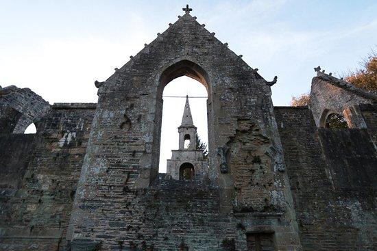 La Roche-Maurice, فرنسا: Eglise de Pont-Christ
