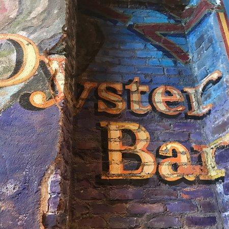 Pearlz Oyster Bar: photo1.jpg