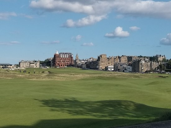 Road Hole Restaurant: View of Old Course