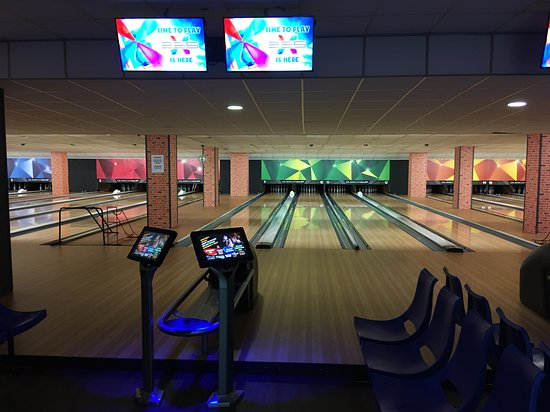 Rotherham, UK: New Lanes and Scoring Equipment from 🇺🇸 USA