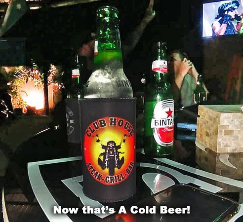 The Clubhouse - Steak Grill & Bar: Now that's a Cold Beer!