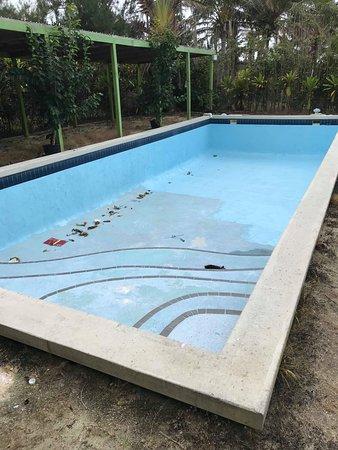 Foui, Tonga: Swimmingpool is not accessible