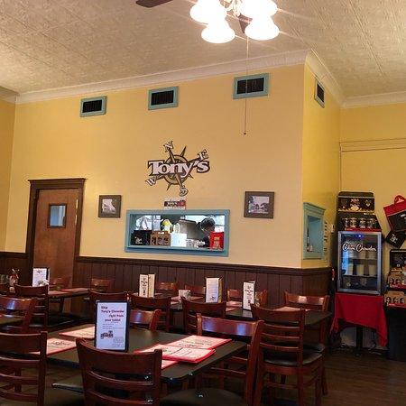 Tony's Seafood Restaurant: photo2.jpg