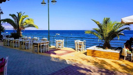 Agioon Theodoron Beach