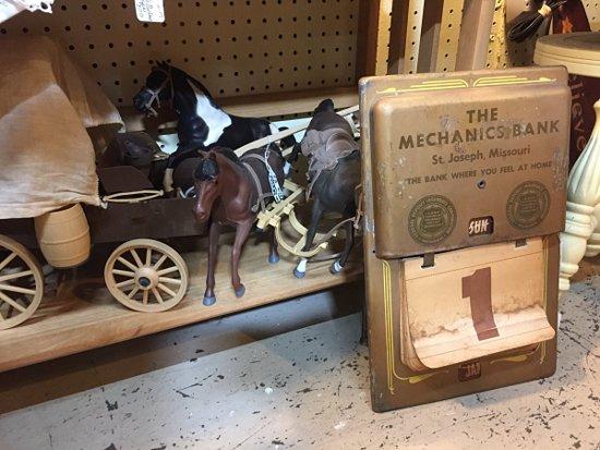 Train Collectors Signs - Picture of St  Joseph Auction