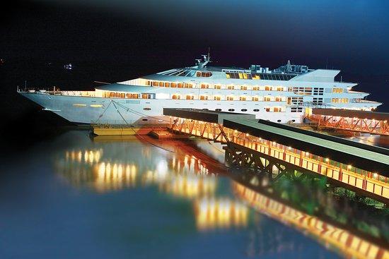 Vintage Luxury Yacht Hotel R M 1 7 9 Rm 121 Updated 2018