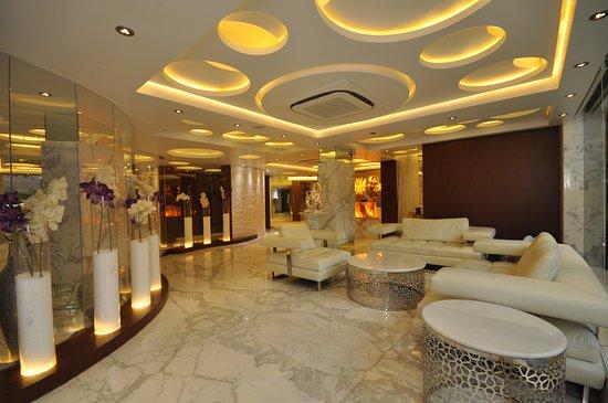 Kempton Hotel, Hotels in Kalkutta