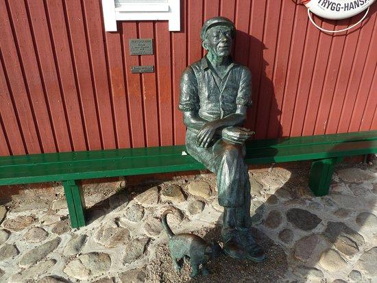 Skane County, สวีเดน: Statyn Ruffagubbe i Mölle hamn
