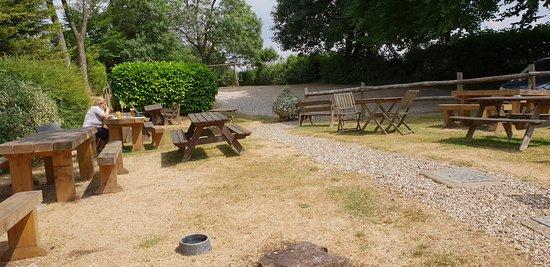 Birdlip, UK: Beer garden