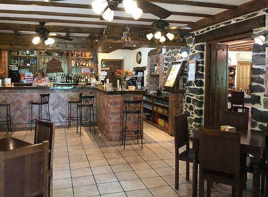 San Roque de Riomiera, Spanyol: Zona Bar