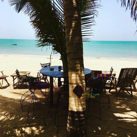 Nianing, Senegal: déjeuner plage