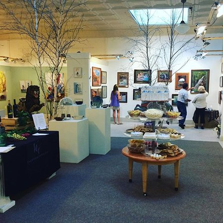 Winkler Gallery of Fine Art: Small event at the Winkler Gallery.