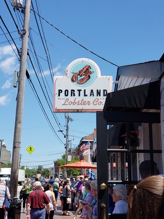 Portland Lobster Co The Beacon For Great Rolls