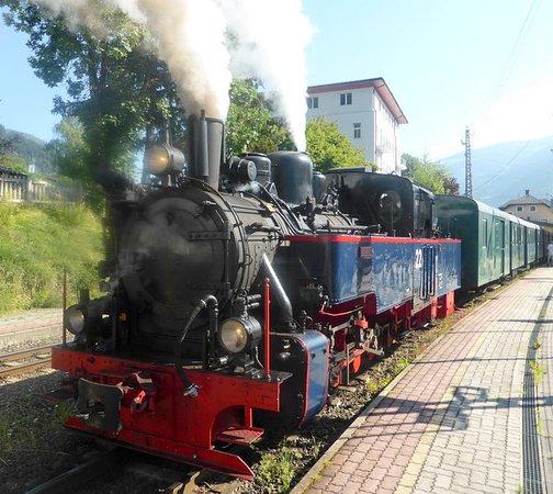 Haus Am See Zell Am See Austria Bookingcom: Pinzgauer Lokalbahn (Zell Am See)