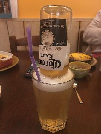 Adelita : Vous connaissez la Corona Rita ? Mélange de Corona avec une bonne Margarita .. excellent !!