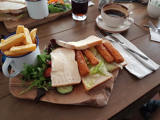 Cropredy, UK: Fish Finger Sandwich