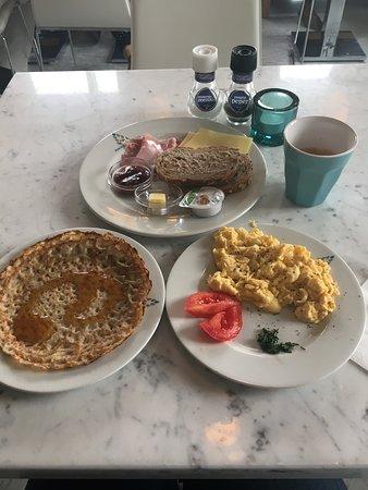 Amadi Park Hotel: Breakfast