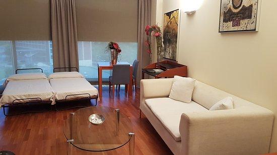 Don Candido Hotel: Sala con camas supletorias