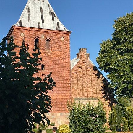 Vejlby Kirke V. Allingaabro