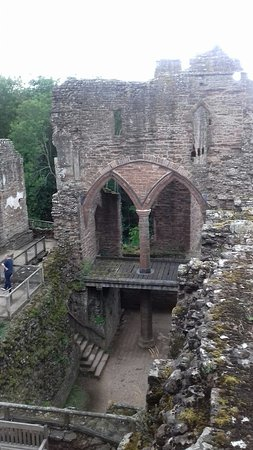 Goodrich, UK: Remains of a beautiful castle