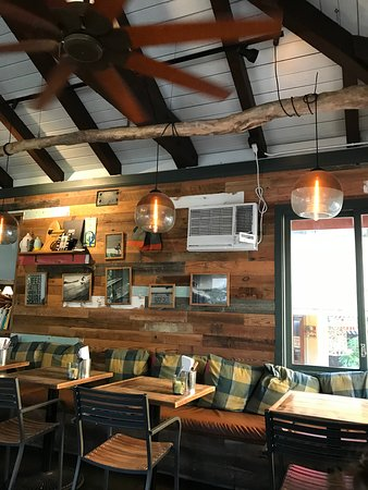 goofy cafe & dine: Casual, laid back interior