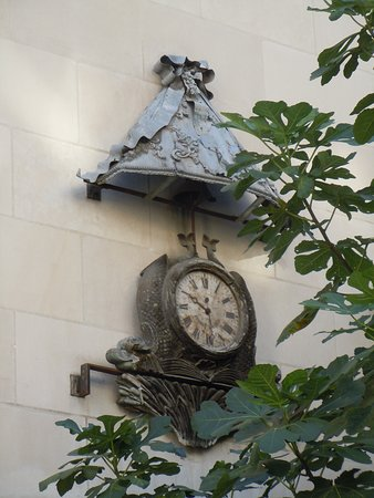 Horloge de l'Hôtel Raoul