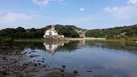 Niembro, Espanha: Iglesia de Nuestra Señora de los Dolores (Barro)