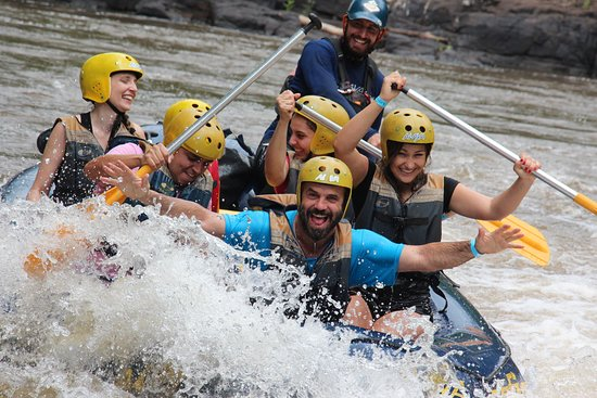Brotas, SP: Rafting com amigos