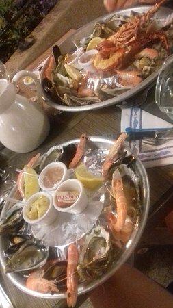 Restaurant Abri Des Flots : Plateaux de fruits de mer