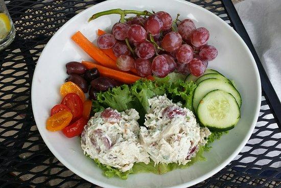Mariemont, Огайо: Chicken salad