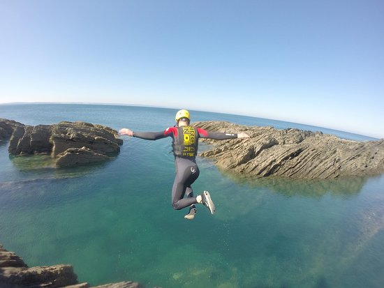 Croyde, UK: Coasteering at Baggy Point
