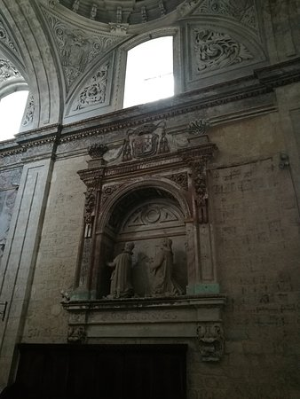 Iglesia de Santa Maria del Camino: Sepulcro.