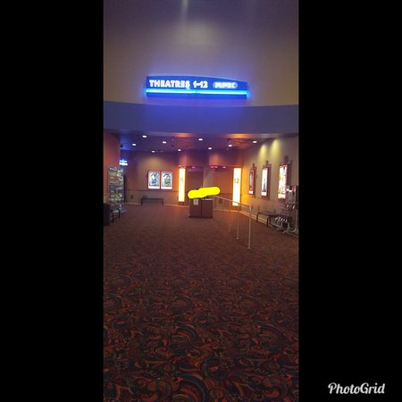 ‪Regal Lansing Mall Stadium 12  & RPX Movie Theater‬